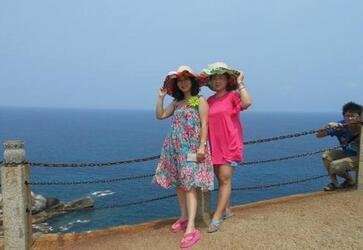曹阿姨和女儿一起去韩国旅游